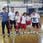 foto squadra U13 maschile con l'allenatrice