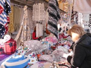 Mercato-degli-Ambulanti-di-Forte-dei-Marmi-domenica-11-gennaio-2015-al-Porto-Antico-di-Genova